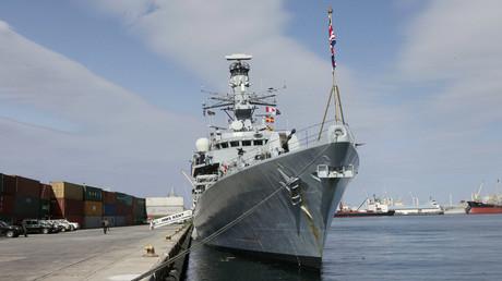 Die britische HMS Kent im Hafen von Tripolis, Libyen, 2. April 2013.