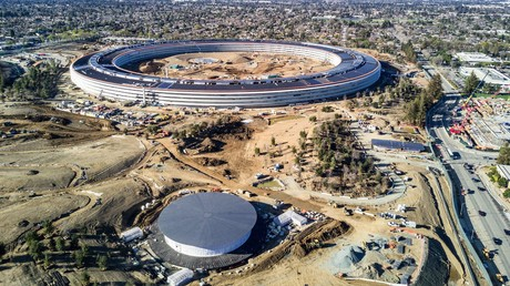 Das Silicon Valley in Kalifornien - hier zu sehen die Apple-Zentrale in Cupertino kurz vor iher Eröffnung - galt lange Zeit als Innovationsschmiede der Welt.