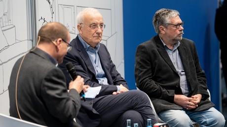 Fritz Pleitgen und Michail Pawlowitsch Schischkin (r.) präsentieren ihr gemeinsames Buch auf der Leipziger Buchmesse (21. März 2019)