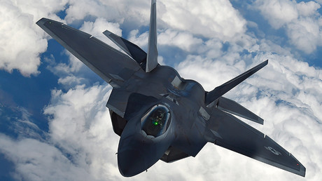 Von der US-Basis östlich der saudischen Hauptstadt sollen unter anderem F-22-Tarnkappenjets aufsteigen. (Archivbild)
