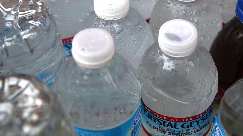 Flughafen San Francisco verbietet Wasser in Einweg-Plastikflaschen