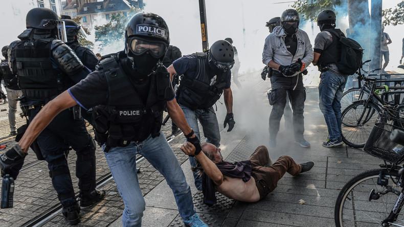 Frankreich: Festnahmen und Tränengas bei Schweigemarsch in Nantes