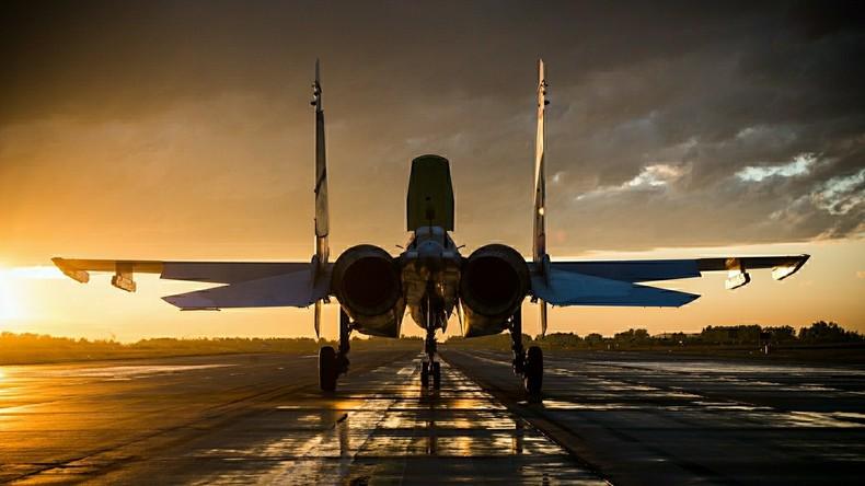 Legendärer russischer Flugzeughersteller Suchoi feiert 80. Geburtstag