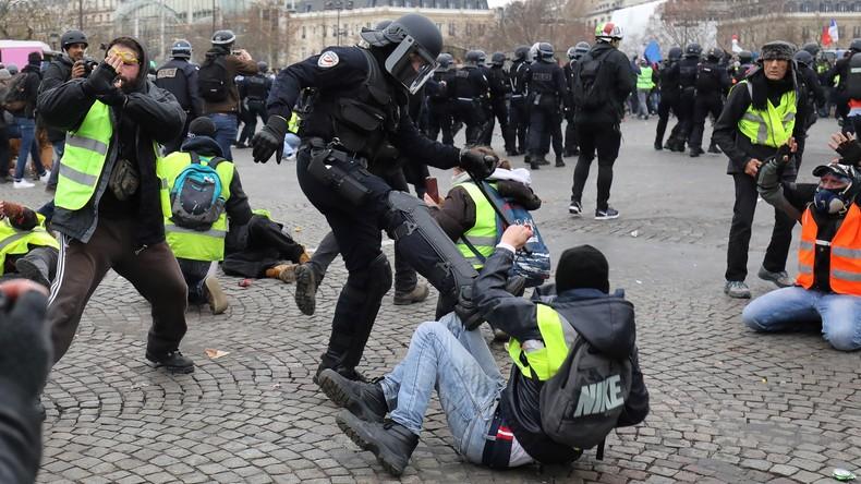 """Frankreich kritisiert Russland wegen """"übermäßiger Polizeigewalt"""" gegen Demonstranten"""