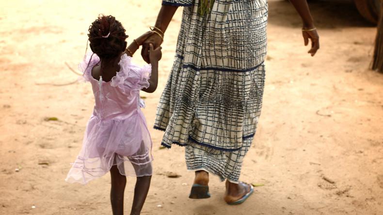 """""""Ferienbeschneidung"""" – Wie kleine Mädchen in den Ferien Opfer von Genitalverstümmelung werden"""