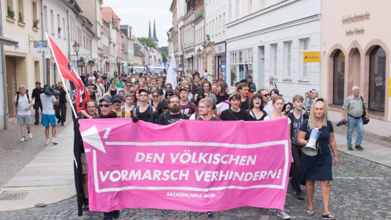 Rathaus im sächsischen Grimma wegen AfD-Auftritt mit Fäkalien angegriffen