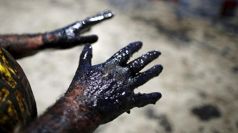 Mexikaner bohren Brunnen und stoßen auf Erdöl statt Wasser