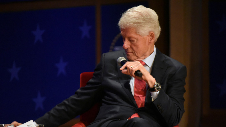 Trump verbreitet Tweet zu Epsteins Selbstmord: Die Clintons sind schuld