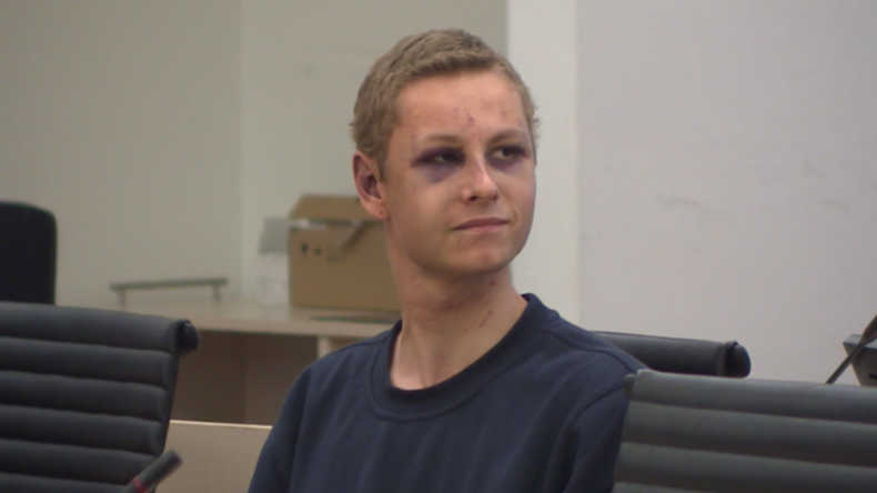 Oslo: Verdächtiger Moschee-Schütze erscheint lächelnd und mit zwei blauen Augen vor Gericht