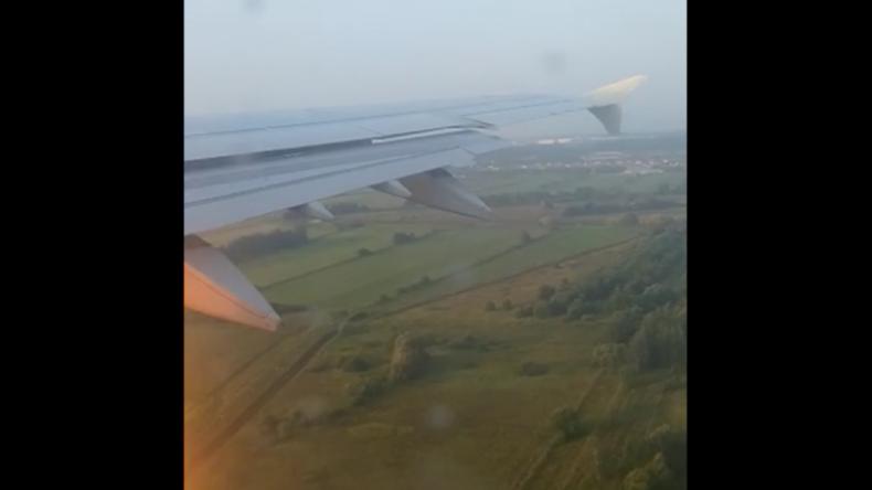 Moskau: Flugpassagier filmt Triebwerksausfall nach Vogelschlag bei Ural Airlines Maschine