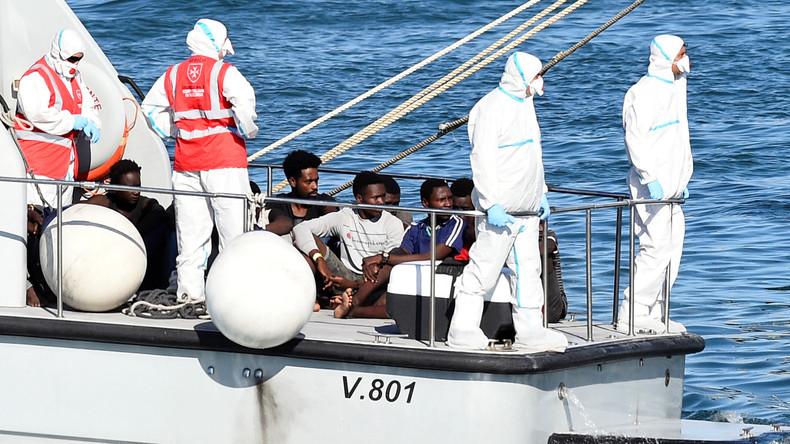 Italienische Küstenwache rettet 57 Migranten aus Boot vor Lampedusa