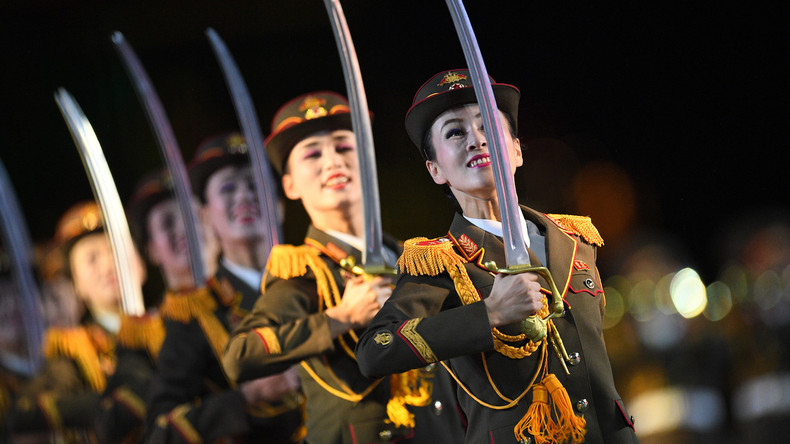 Nordkoreanische Militärkapelle spielt auf dem Roten Platz in Moskau