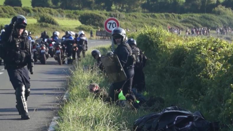 Anti-G7-Protest: Französische Polizei verhindert, dass Reporter Festnahme filmen