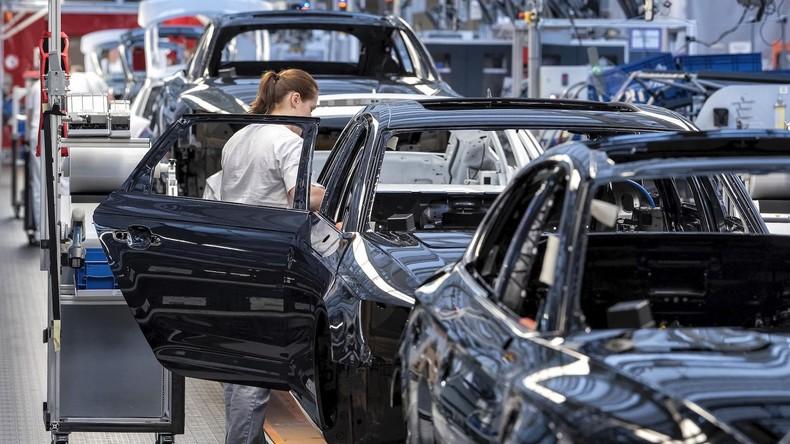 Deutschland: Vertrauen deutscher Unternehmen sinkt angesichts von Rezessionssorgen