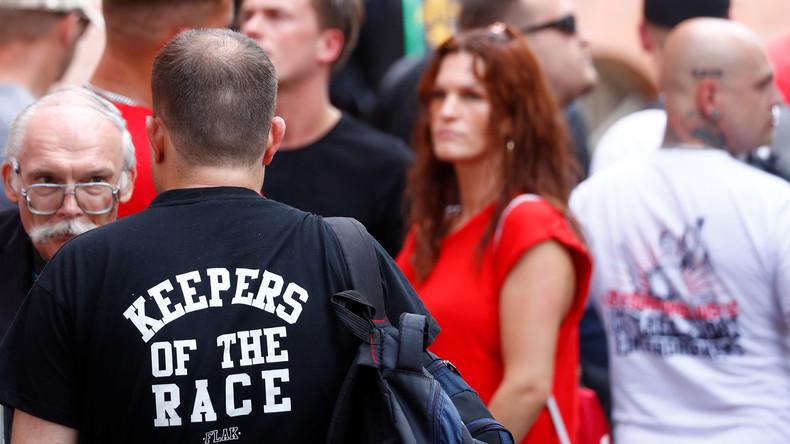 Offener Brief an Innenminister Seehofer: Journalisten fordern Schutz vor Rechtsextremisten