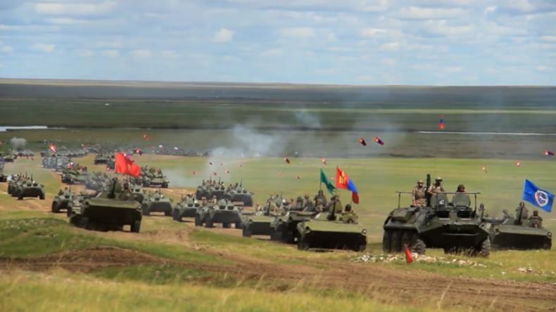Mongolei: Russisch-mongolischesManöver endet mit massiver Schießübung