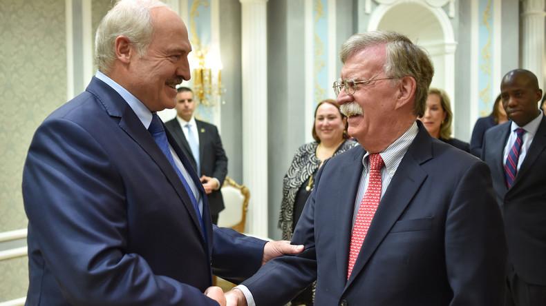 """""""Historischer Besuch"""" John Boltons in Weißrussland"""