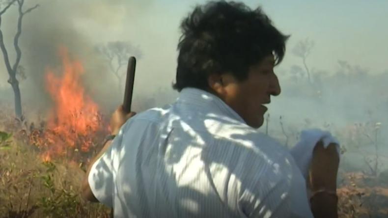 """Bolivien: Präsident Morales hilft Feuer löschen: """"Gemeinsame Verantwortung, Mutter Erde zu schützen"""""""