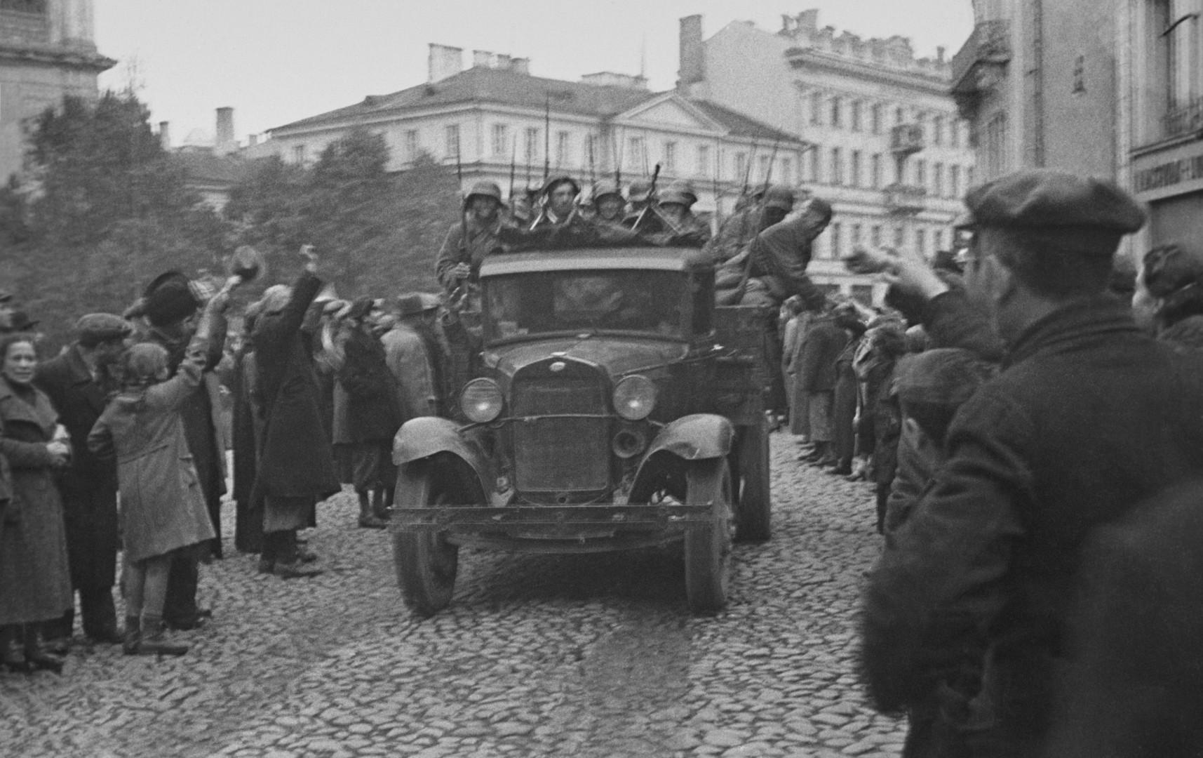 Deutschlandfunk zum Nichtangriffspakt 1939: Beiläufige Fehler oder Geschichtsfälschung?