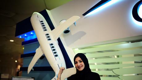 Symbolbild: Die erste saudische Frau, Dalia Yashar, beim Training zur Pilotin für Passagiermaschinen, König-Fahd-Flughafen in Dammam, Saudi-Arabien, 15. Juli 2018.