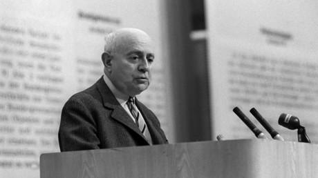 Rede von Theodor W. Adorno in Frankfurt am Main gegen die geplante Verhängung der deutschen Notstandsgesetze durch die Große Koalition, 28. Mai 1968