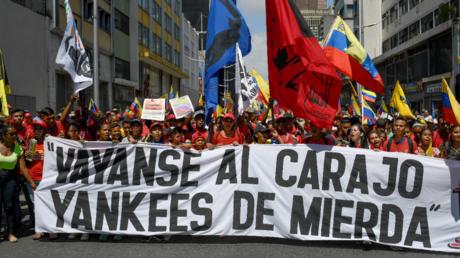 Proteste gegen die US-Sanktionen in der venezolanischen Hauptstadt Caracas am 7. August. Auf dem Banner steht: