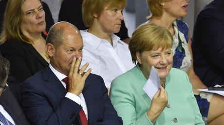In trauter Zweisamkeit vereint: SPD-Chef und Vizekanzler Olaf Scholz und Bundeskanzlerin Angela Merkel