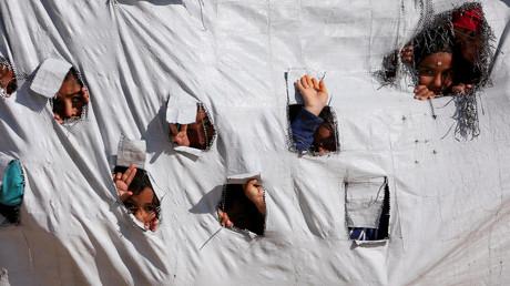 (Symbolbild). Kinder in einem Zelt im al-Hol Verdrängungslager im Gouvernement Hasaka, Syrien, 2. April 2019.
