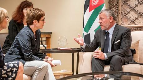 Symbolbild: die deutsche Verteidigungsministerin Annegret Kramp-Karrenbauer mit König Abdullah von Jordanien, Amman, Jordanien, 19. August 2019