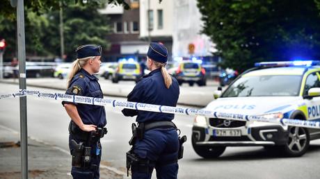 Symbolbild: Schwedische Polizistinnen in einem abgesperrten Gebiet nach Schießerei, Malmö, Schweden, 18. Juni 2018.
