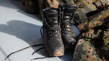 Bundeswehrsoldaten müssen auf neue Stiefel noch warten – Oh, Sohle Mio!