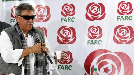 Der ehemalige Rebellenführer Seuxis Hernández, auch bekannt als Jesús Santrich, auf einer Pressekonferenz in Bogotá, Kolumbien, November 2017