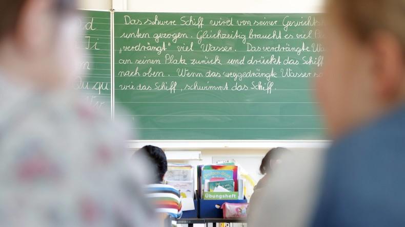 Österreich: Lehrer arbeitet nebenberuflich als Bordell-Chef – Schule kündigt