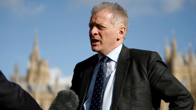 Großbritannien: Johnson verliert Mehrheit im Unterhaus nach Fraktionswechsel eines Abgeordneten