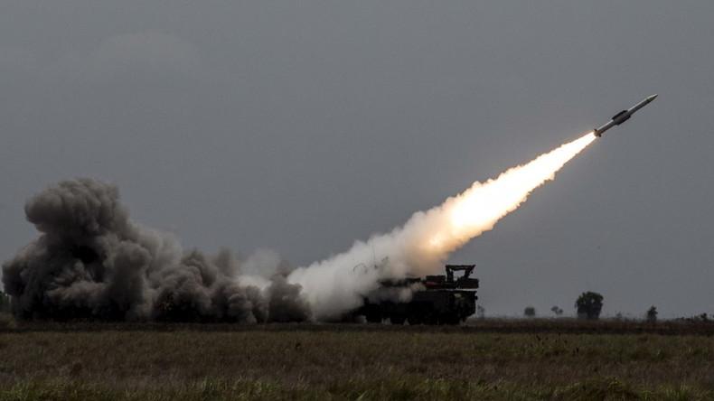 Aus Sorge vor False-Flag-Angriff: Maduro lässt Luftabwehrsysteme an Grenze zu Kolumbien verlegen