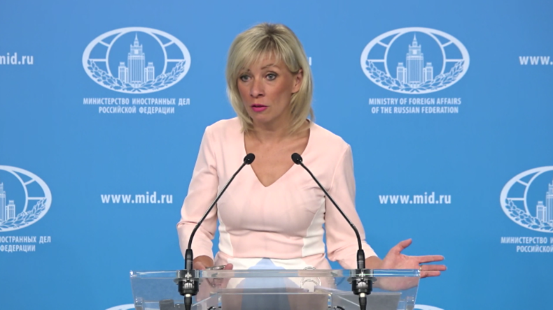 """Sacharowa kontert Merkels Sprecher Seibert: """"Interessante Art von Demokratie"""""""