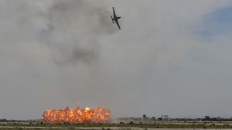 Verwechselt mit syrischer Wüste? US-Kampfjet bombardiert Arizona mit weißem Phosphor