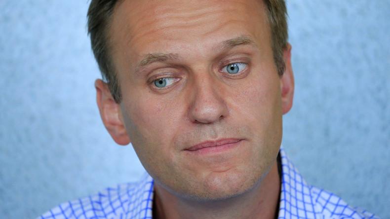 Ermittler finden Dutzende Stimmzettel in Alexei Nawalnys Büro in Sankt Petersburg