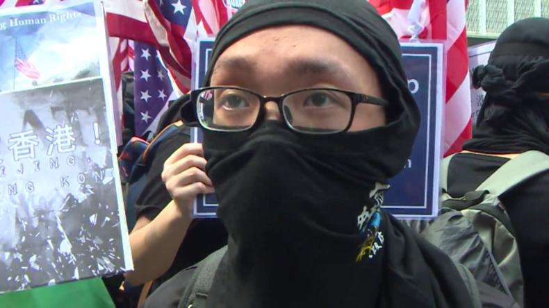 """Hongkonger Demonstranten geben vor laufender Kamera zu: """"Gewalt ist eine unserer Methoden"""""""