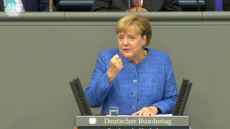 Merkel: Mehr Militärausgaben, mehr Zuwanderung für Ostdeutschland und null Toleranz dem Hass