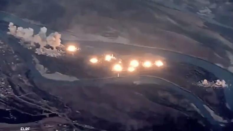"""USA prahlen mit Bombardierung irakischer Insel – """"So sieht ein 36-Tonnen-Bomben-Abwurf aus"""""""