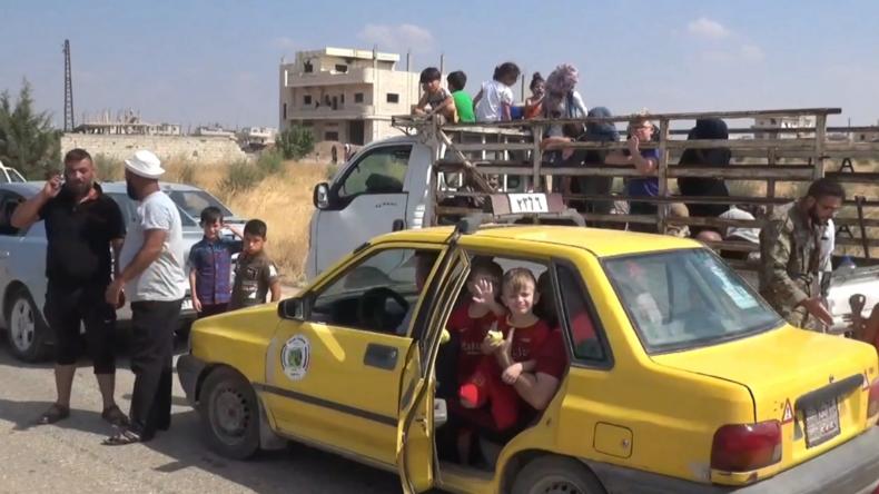 """Syrien: """"Der Krieg ist vorbei"""" – Vertriebene Syrer kehren in Heimatstädte zurück"""