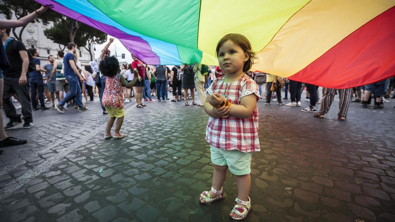 Komplett umkehrbar? Pubertätsblocker für Kinder laut Transgender-NGO harmlos