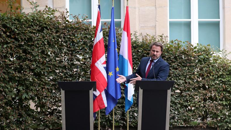 Unter Buhrufen: Boris Johnson läuft vor Pressekonferenz mit luxemburgischem Premier davon