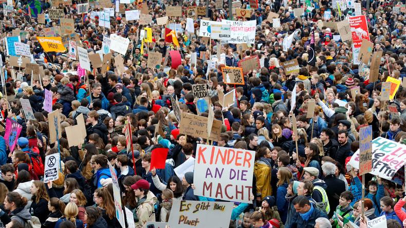 """""""Weg vom Profit- und Wachstumswahn"""" – Schüler rufen für diesen Freitag weltweit zu Streiks auf"""