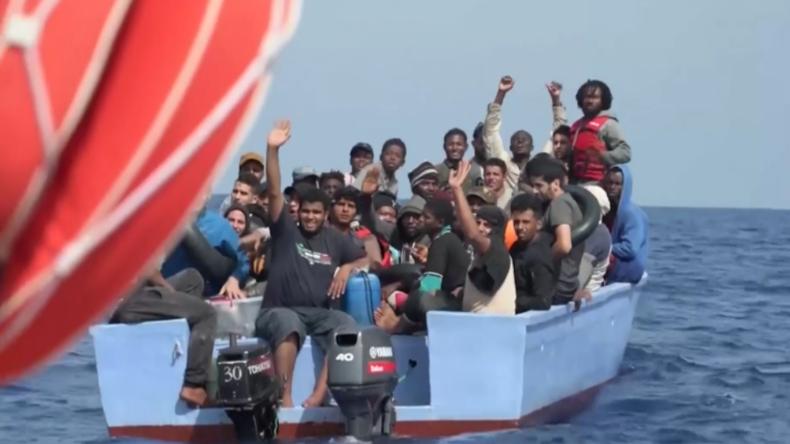 """""""Ocean Viking"""" liest über 100 Migranten auf – """"Migration nach Italien nimmt erstmals wieder zu"""""""