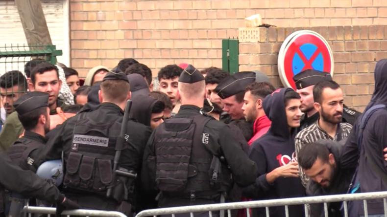 Frankreich: Polizei räumt Flüchtlingslager in Grande-Synthe – Hunderte Menschen lebten in Zelten
