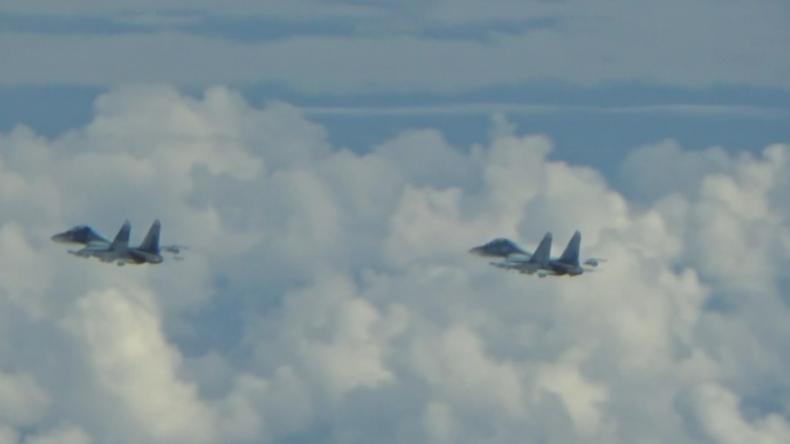 Russische Bomber über Ostsee von Kampfjets aus NATO-Staaten eskortiert