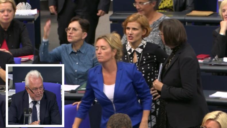 Bundestagsvize-Präsident Kubicki rügt Linken-Abgeordnete, die mit Antifa-Anstecker Rede hielt