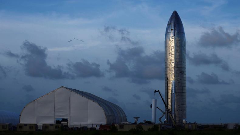 SpaceX stellt Raumschiff für Mond- und Mars-Reisen vor